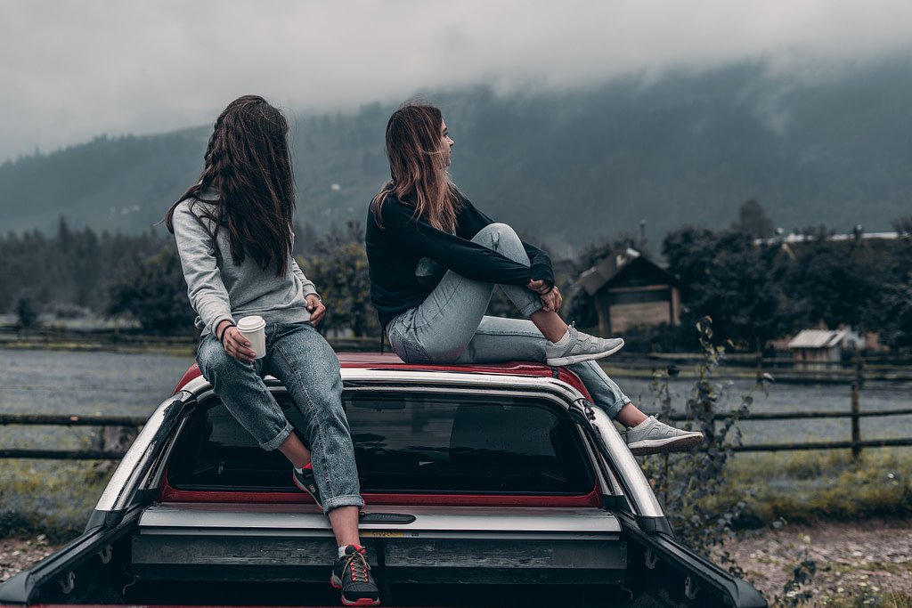 friends on car